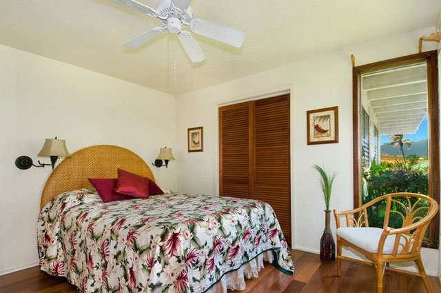 Queen bedroom at Poipu vacation rental home